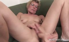 Lusty Milf Dildoing Craving Twat