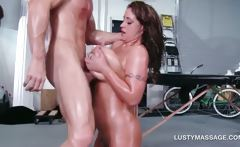 Lucky masseur gifted with an amazing titjob
